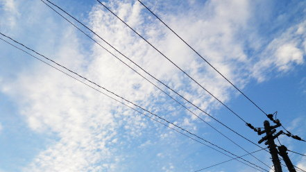 電柱と空模様