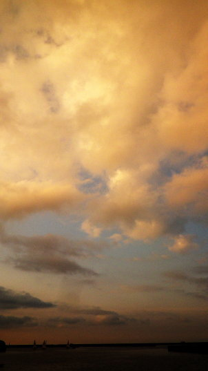 小樽 夕方の空