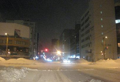 冬の深夜の札幌市内