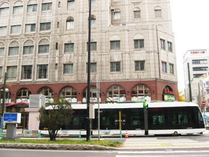 札幌駅前通りを走行する市電