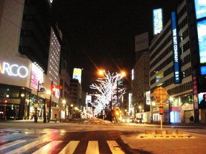 夜の札幌駅前通