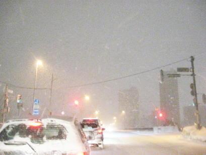 吹雪の札幌市内