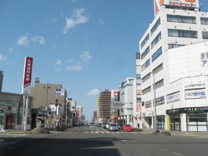 国道36号線 月寒中央駅付近