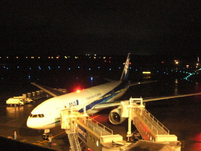夜の新千歳空港