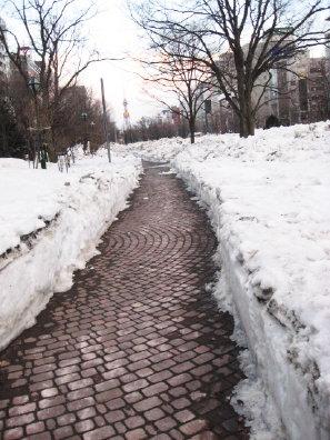 大通公園の雪解け具合