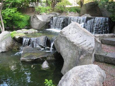 札幌市役所庭園