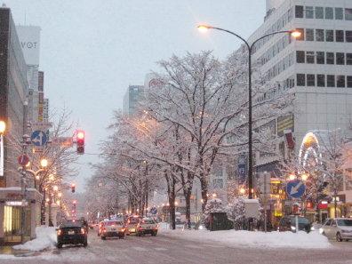 夕方の札幌駅前通